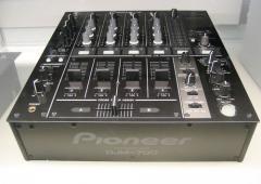 Продам новый Pioneer DJM-700 (K, S)