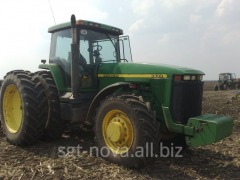 Трактор John Deere 8400