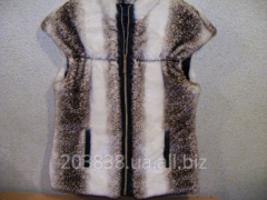 Vest from fur fabric