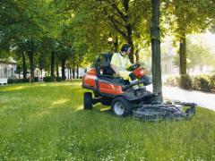 Çimen biçme traktörleri