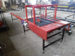 The machine for polyfoam reinforcing