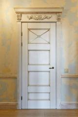 Doors from the massif of an alder, the Door from