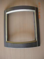 Facade bent under glass