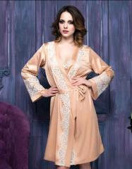 Silk dressing gown peach with the Renaissance lace