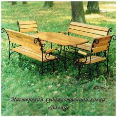 Садовый набор: кованый стол, кованые стулья,