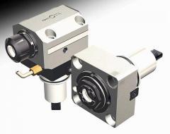 Инструмент с механическим приводом для токарных