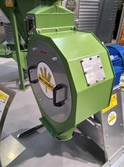 Молотковая зернодробилка RVO 930