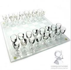 Шахматы с бокалами