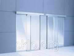 Sliding doors to the room from glass