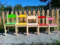 Стільці, столи, ліжка, дитячі різних розмірів