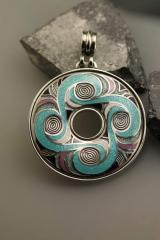 "Tripolye"" - a pendent based on patterns"