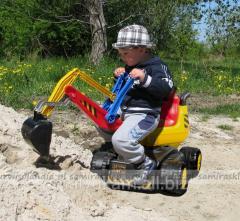 Çocuk pedallı ekskavatörü