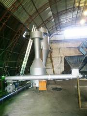 Aerodynamic drying of sawdust of bottle type