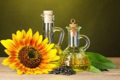 The sunflower oil which is not refined a cold