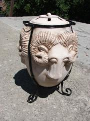 The tandoor ceramic on firewood