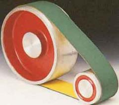Flat belts with the polyamide core