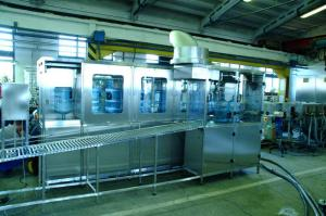 Automatic transfer line of bottling of 18,9 l of