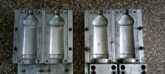 Compression mold double for a vyduv of bottles
