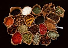 Natural spices, spicery and dried vegetables