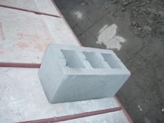 Blocks shlakobetonny 120х190х390 from the producer