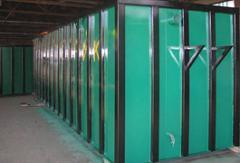 Storage containers of liquid materials