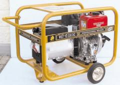 The generator - the welding machine diesel WGTYD 220DC BENZA
