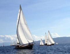Яхты парусно-моторные
