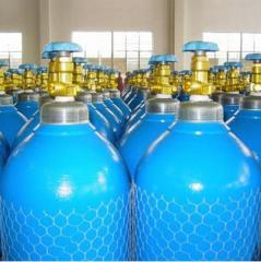 Medical liquid and gaseous oxygen in cylinders