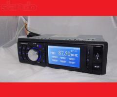 The Pioneer JD-405 autoradio tape recorder reads