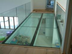 Floors from glass