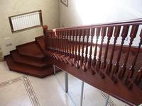 Лестницы деревянные. Классическая Г-образная в