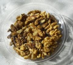 Орехи чищенные