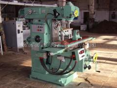 The machine universal and milling 6D82Sh, to / r