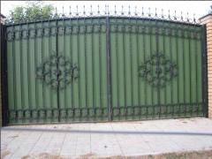 Semi-antique gate