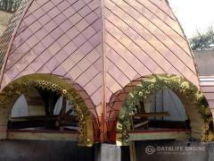 Roof with a covering copper, a dusting nitride of