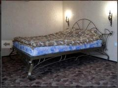 Beds are one-and-a-half shod
