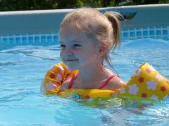 Swimming vests for children of Puddle Jumper for
