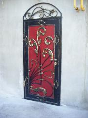 Двери металлические с элементами художественной