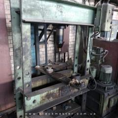 Пресс гидравлический 2135-1М