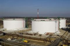 Vertical cylindrical storage tanks for fuels and