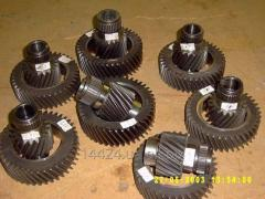 Production of shaft of gear wheels, heat treatment of various details.