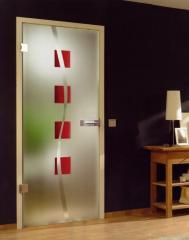 Дверь стеклянная межкомнатная в алюминиевой