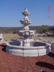 Fontanny z granitu i marmuru
