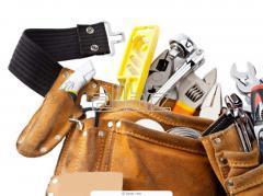 Tool kit of the bricklayer-plasterer