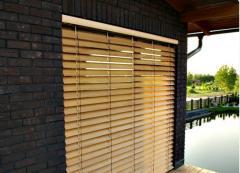 Front wooden blinds