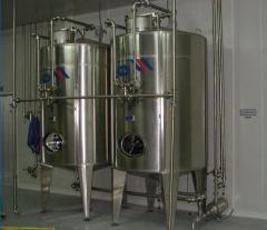 Reservoirs for fermentation of sour-milk products