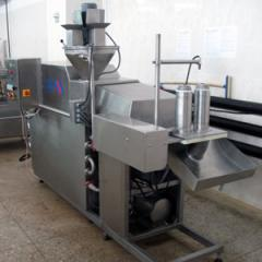 The unit for thermomechanical processing of cheese