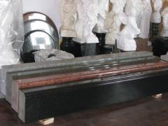 Sale of a granite socle