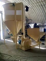 Formula-feed installation of the KMS-3-PP/KMS-4-PP