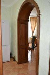 Деревянные арки и двери